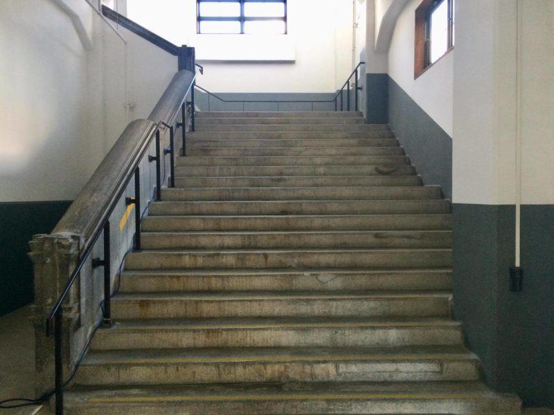 旧大連航路上屋階段