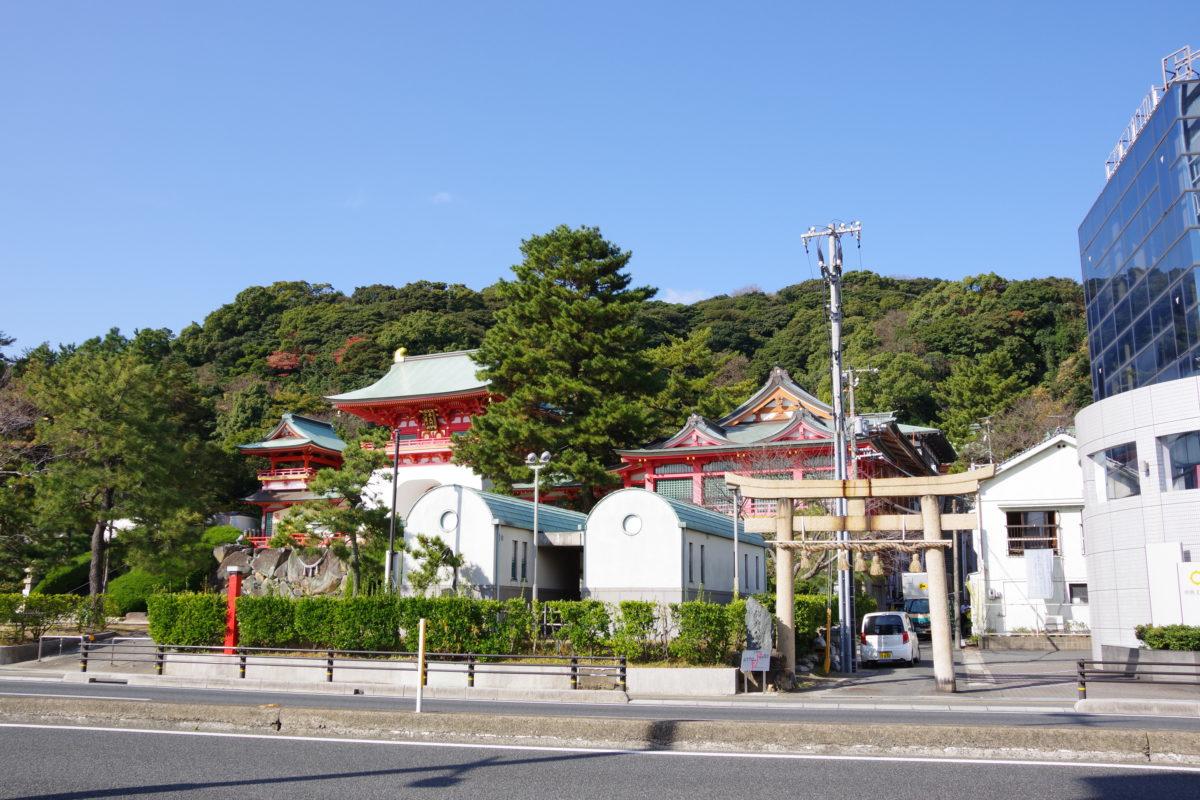 赤間神宮と石の鳥居