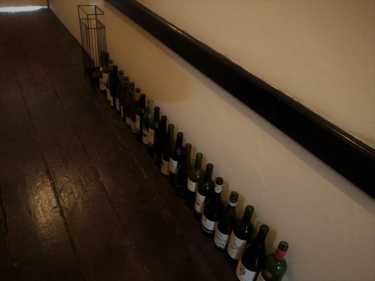 桜廊下の瓶