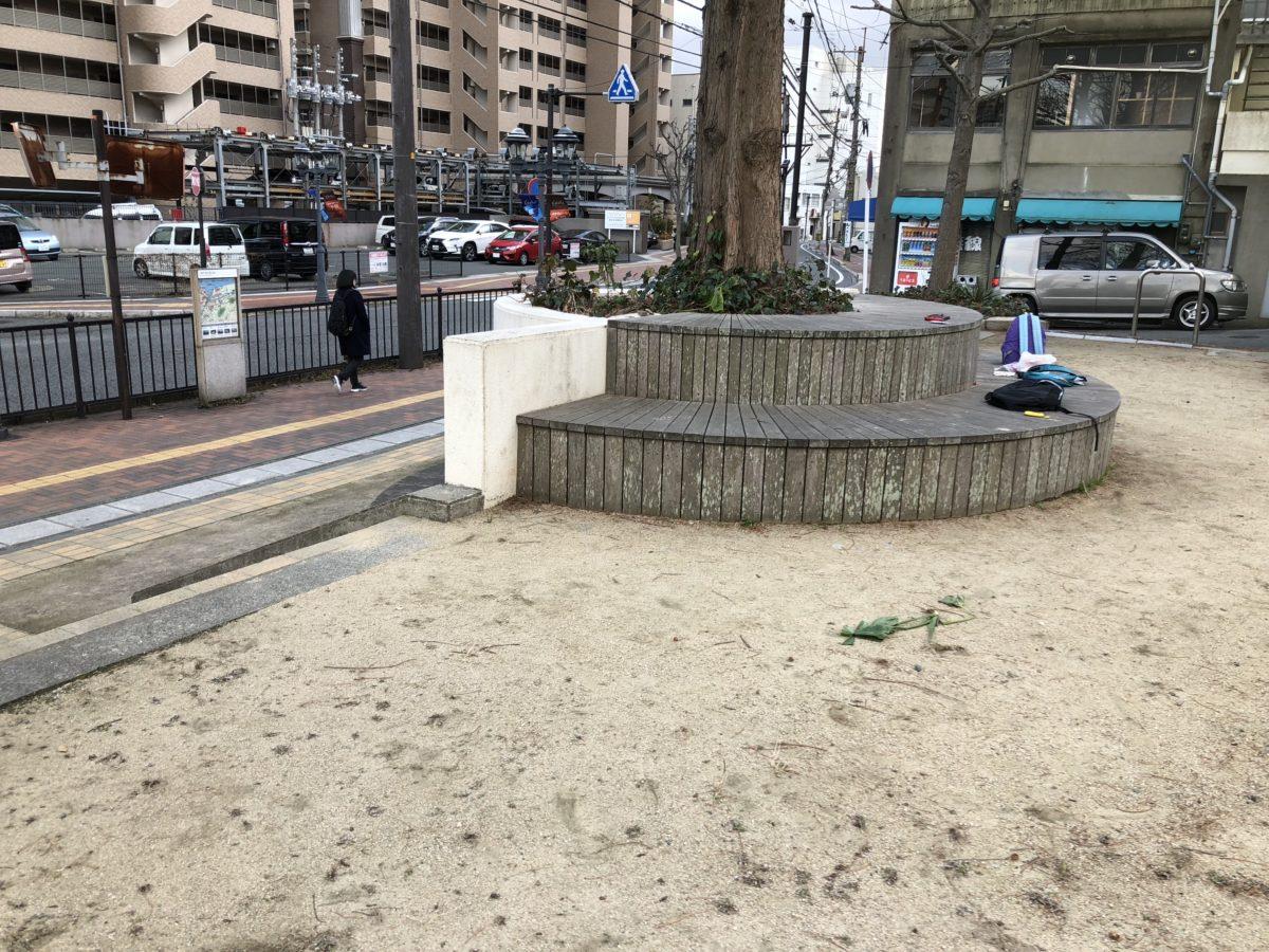 寿公園ポプラ前ベンチ